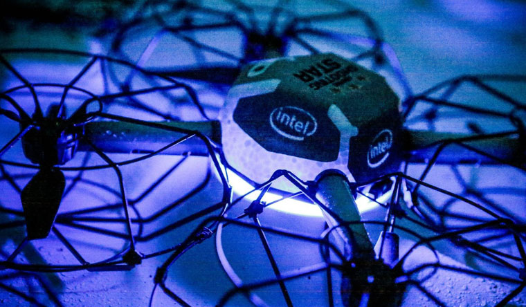 Intel Break Record For Most UAV's Airborne Simultaneously For Product Launch.