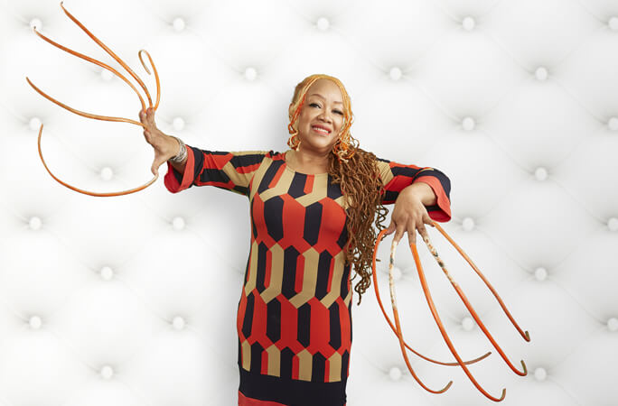 Meet-Ayanna-Williams-who-holds-the-record-for-the-longest-fingernails-on-a-pair-of-hands-female