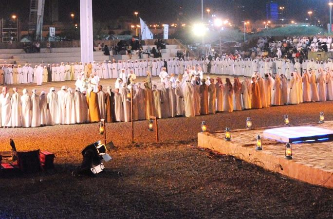 The-largest-Yowla-dance-was-achieved-with-285-participants-in-Fujairah