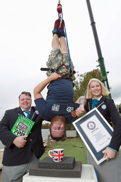 Highest bungee dunk Craig Glenday